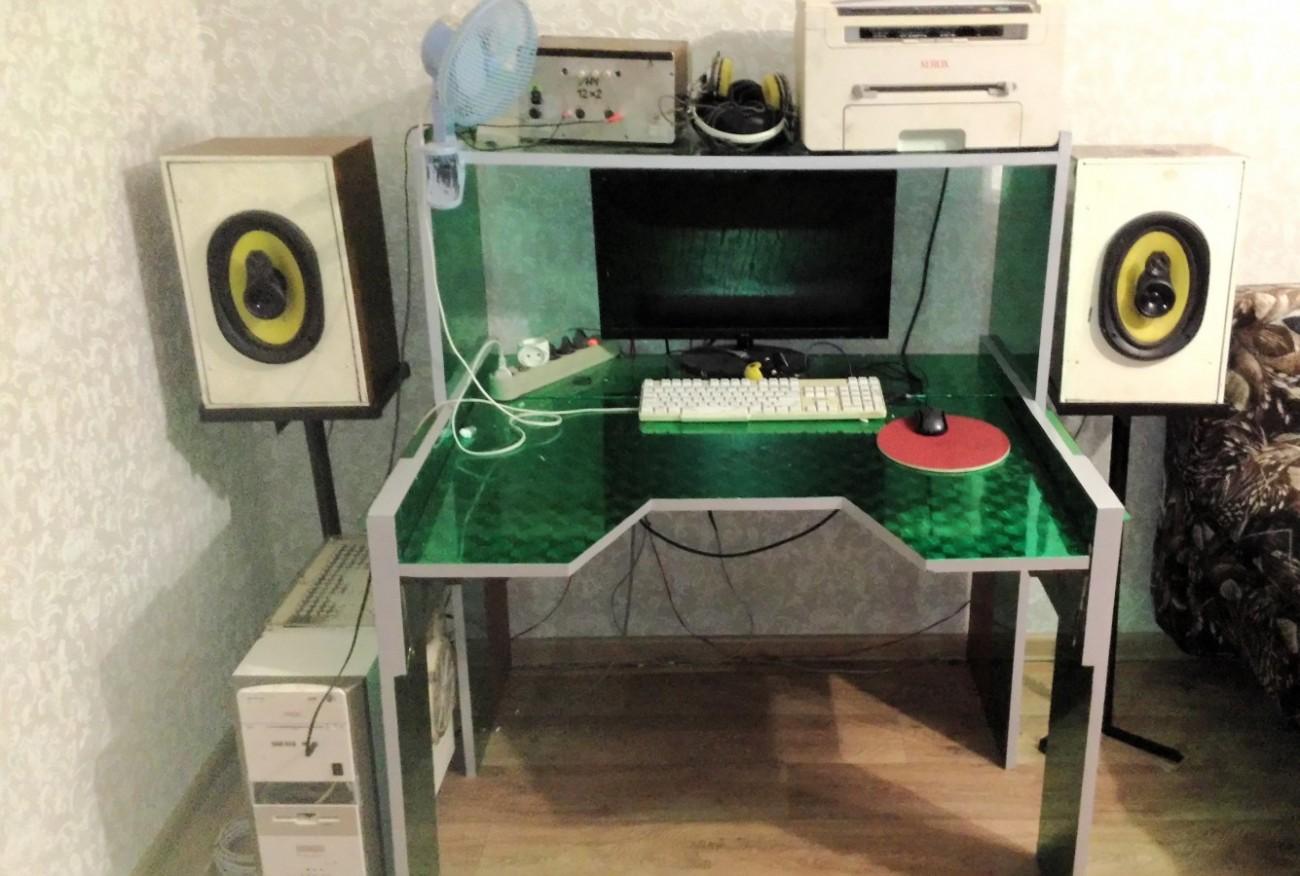 Стол компьютерный своими руками простой