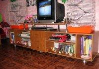 Самодельная универсальная тумбочка под телевизор