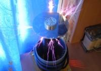 Простой сетевой HV трансформатор Тесла