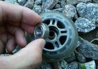 Как в самокате поменять колесо и подшипники  - на примере Mini Micro