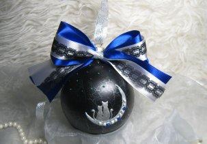 Стеклянный шар с ручной росписью