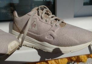 Как очистить белые кроссовки из ткани от грязи