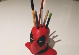 Deadpool держатель для ручек