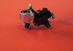 Делаем игрушечный мотоцикл из зажигалок